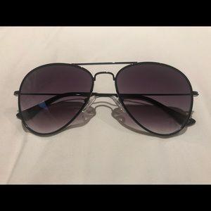 DIFF Cruz Black Aviator Sunglasses